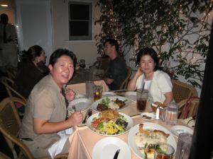 左が伸子おばちゃんだよ。